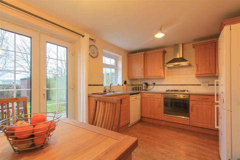 4 bedroom townhouse to rent - Clos Halket, Canton