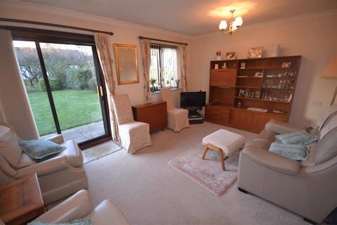 2 bedroom bungalow for sale - Tixover Grange, Tixover