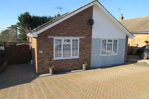 3 bedroom bungalow for sale - Strode Park Road, Herne Bay