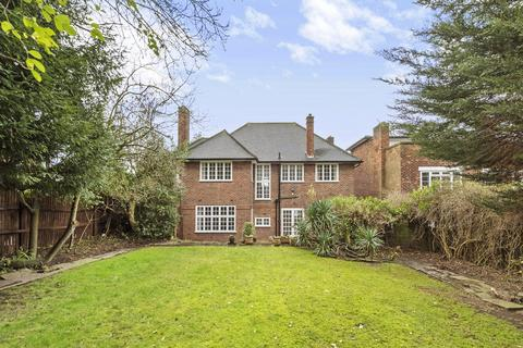 5 bedroom detached house to rent - The Ridings, London