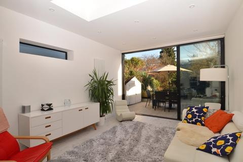 4 bedroom terraced house to rent - Orchard Road, Brentford