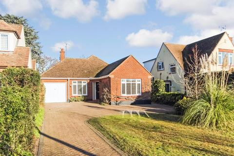 2 bedroom detached bungalow for sale - Hockley Road, Rayleigh