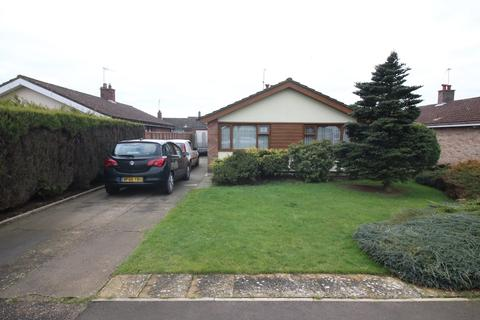 2 bedroom detached bungalow for sale - Firs Avenue, Ormesby