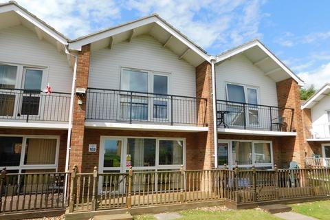 3 bedroom villa for sale - Waterside Holiday Park, The Street, Corton