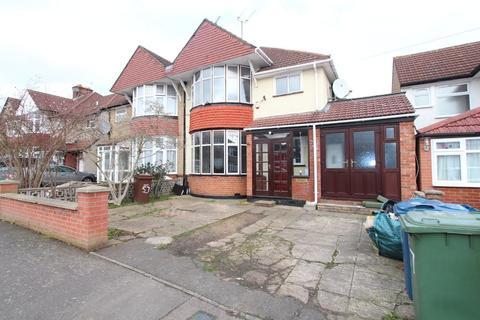 4 bedroom semi-detached house to rent - Manor Way, Harrow