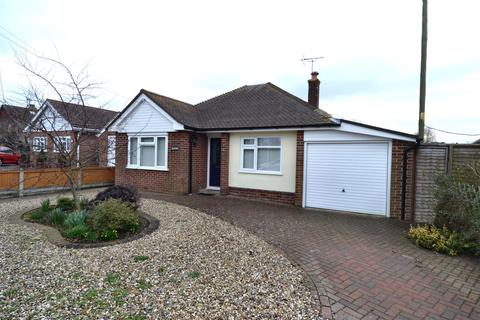 2 bedroom detached bungalow for sale - Maydowns Road, Chestfield, Whitstable