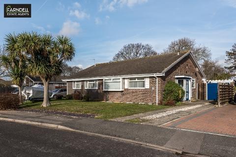2 bedroom semi-detached bungalow for sale - Truro Crescent, Aldwick Park, Bognor Regis, West Sussex. PO21 3RQ