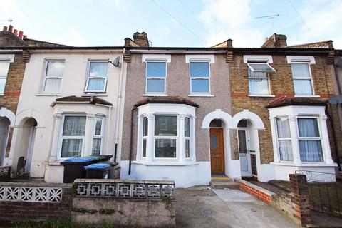 3 bedroom terraced house for sale - Haselbury Road, Edmonton, N18
