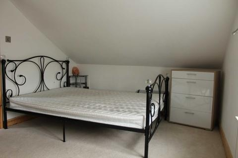 Studio to rent - Littleton D