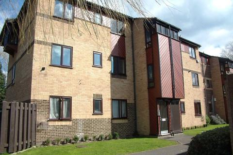 1 bedroom apartment to rent - River View Apartment - St Paul`s Court, Reading