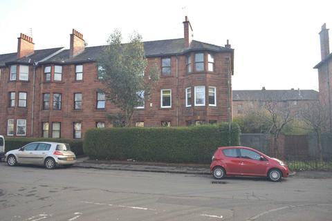 3 bedroom flat to rent - Barlogan Avenue, Glasgow