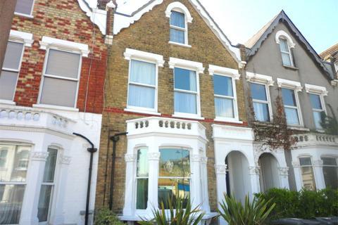 3 bedroom maisonette to rent - Myddleton Road, Bowes Park, London, N22