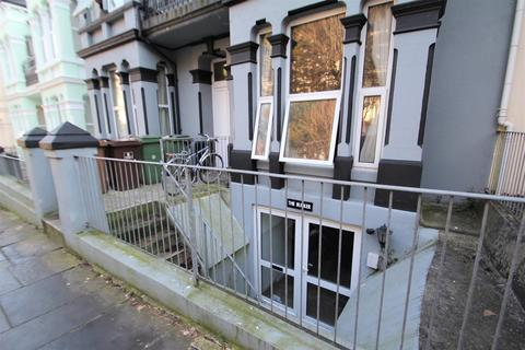 2 bedroom flat to rent - Connaught Avenue, Mutley, Plymouth