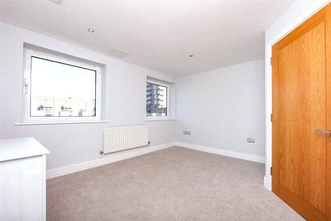 2 bedroom apartment for sale - Tradewinds, Wards Wharf Approach, London, E16