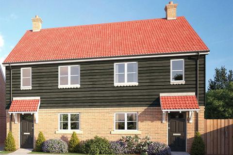 3 bedroom semi-detached house for sale - Sapphire Gardens, Mildenhall, Bury St Edmunds