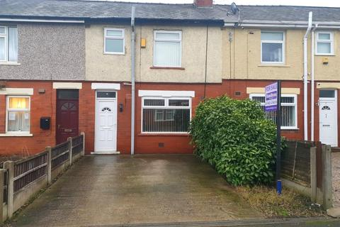 3 bedroom terraced house to rent - Priory Avenue, Leigh