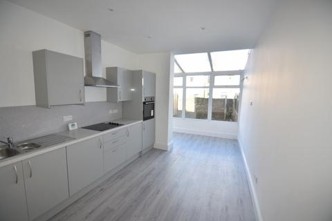 3 bedroom terraced house to rent - Oliver Road, Southsea