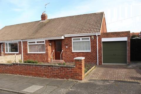 2 bedroom bungalow for sale - Priors Walk, Morpeth,