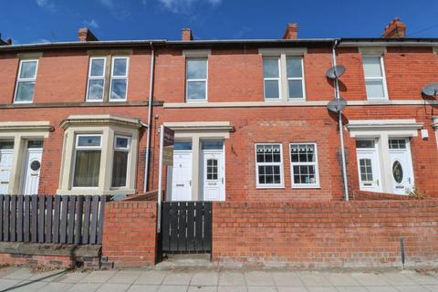 2 bedroom apartment to rent - Ravensworth Road, Dunston
