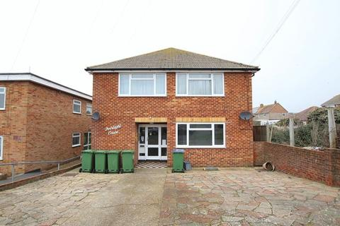 Studio to rent - Fairlight Avenue, Peacehaven