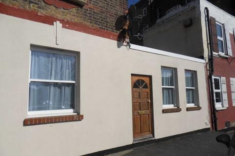 1 bedroom apartment to rent - Margate