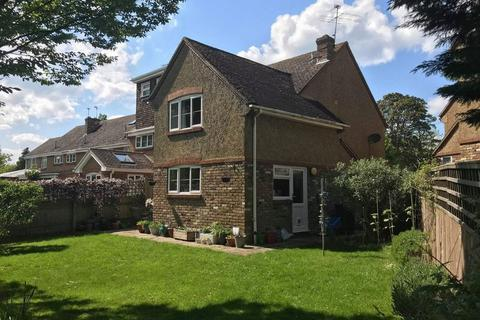 4 bedroom semi-detached house for sale - Long Marston