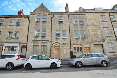 2 bedroom maisonette to rent - Grove Street