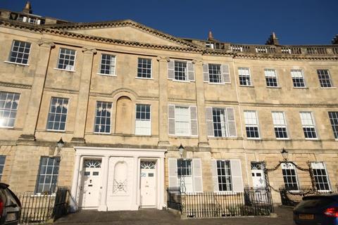3 bedroom apartment to rent - Lansdown Crescent