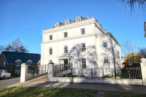 3 bedroom flat to rent - Wellington Square, Pittville, Cheltenham