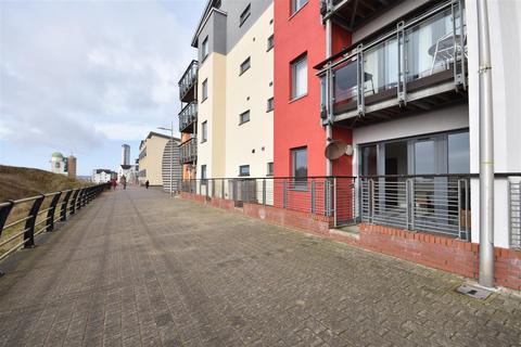 2 bedroom flat for sale - Fishermans Way, Marina, Swansea