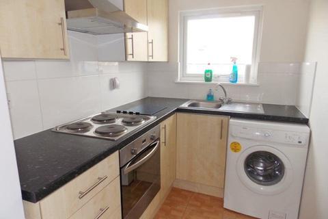 1 bedroom apartment to rent - Queens Road, buckhurst Hill, IG9