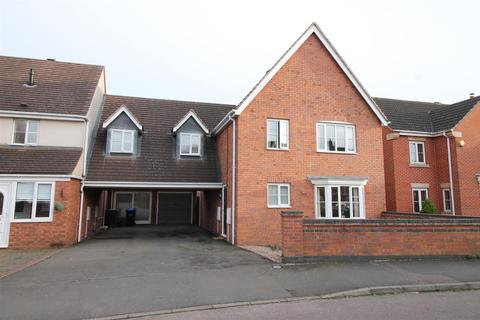 4 bedroom house for sale - Ashton Close, Daventry