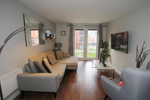 3 bedroom house to rent - Sillavan Way, Salford