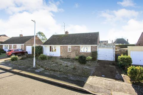 2 bedroom detached bungalow for sale - Willow Way, Chestfield, Whitstable