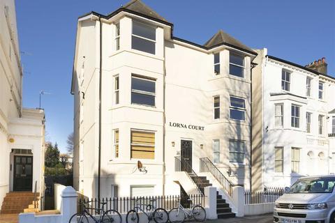 2 bedroom flat to rent - Lorna Court, Hove