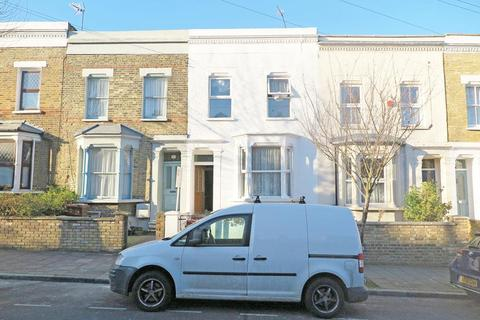 4 bedroom house to rent - Blurton Road, Hackney