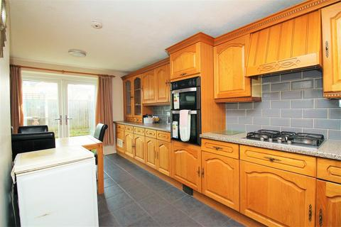 4 bedroom house for sale - Compton Place, Erith, Kent