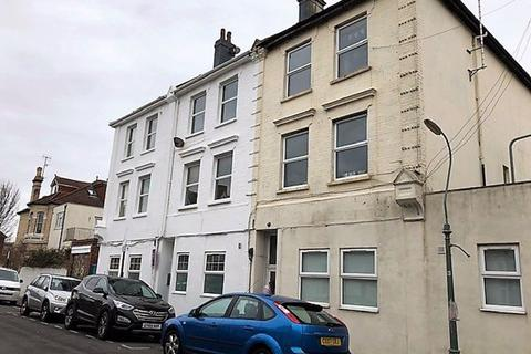 Studio to rent - Stirling Place, Hove