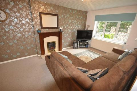 2 bedroom semi-detached bungalow for sale - Hartwell Close, Manchester
