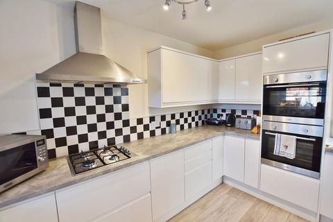 3 bedroom semi-detached house for sale - Tootal Drive, Salford 6