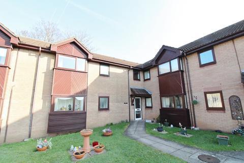 1 bedroom flat for sale - Uplands Court, Rogerstone, Newport, NP10