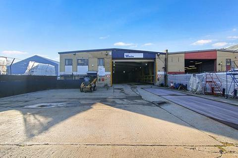 Industrial unit to rent - 38-40, Verney Road, London