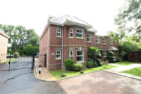 2 bedroom apartment to rent - Tudor Court, Windlesham