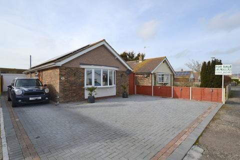 2 bedroom detached bungalow for sale - Woodland Way, Dymchurch