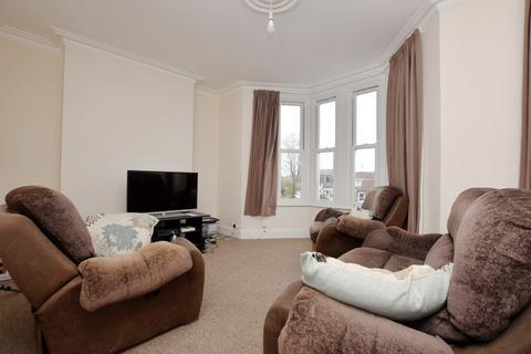 3 bedroom flat to rent - Fairfield Road