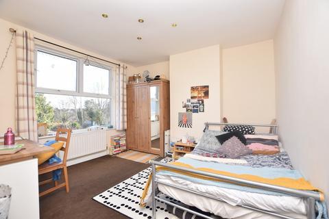 4 bedroom terraced house to rent - Cropthorne Road, Filton