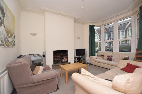 6 bedroom terraced house to rent - Brentry Road, Fishponds