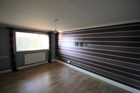3 bedroom terraced house to rent - Falkirk Close, North Bransholme, Hull, HU7