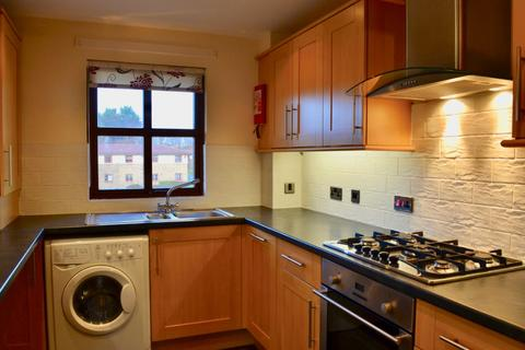 2 bedroom flat to rent - North Werber Place, Fettes, Edinburgh, EH4 1TE