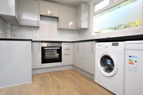 2 bedroom house to rent - Blackborne Road, Dagenham, RM10